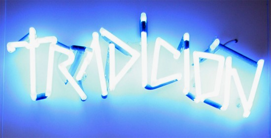 tradicion-neon